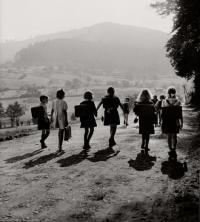 robert-doisneau-ecoliers-wangenbourg-1945.jpg